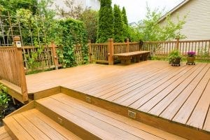 Pros and Cons of Wood Decks